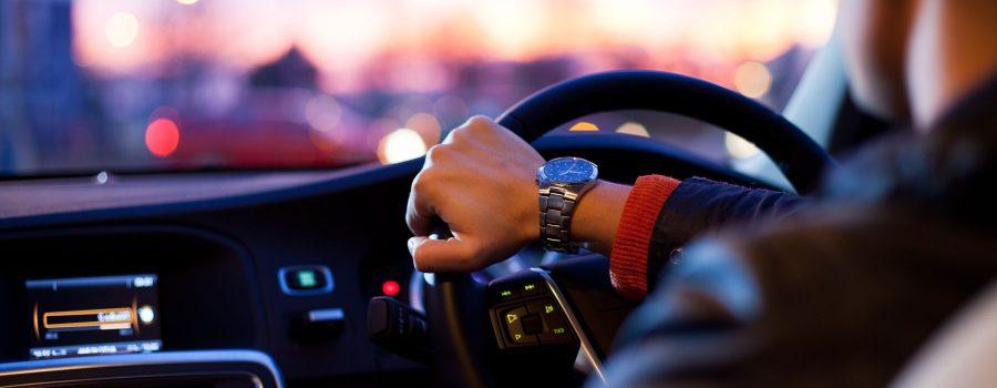 Tips Memilih Rental Mobil dengan Driver
